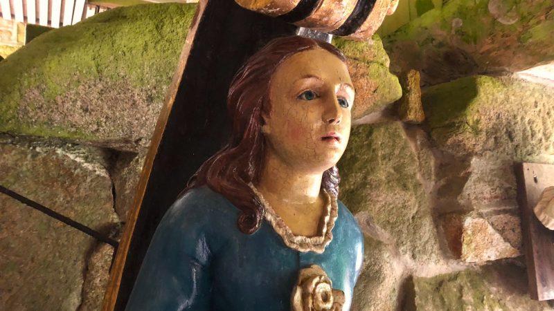 Ancestor figurehead